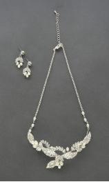 Wholesale N35 Elegant leaf necklace and earing set Silver