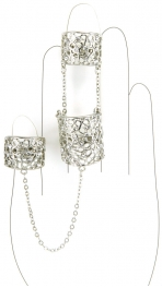 Wholesale L30 Three chained rings cut out metal R