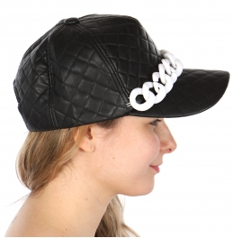Wholesale R79B Quilted Hat With Chain WHBLK