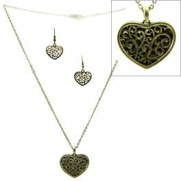 Wholesale L32 Cutout metal heart necklace set GB