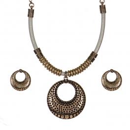 Wholesale WA00 Circular pendant leather steatment necklace set GBGY