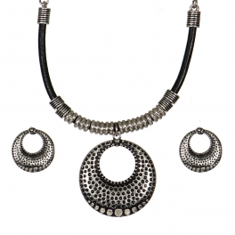 Wholesale WA00 Circular pendant leather steatment necklace set SBBK
