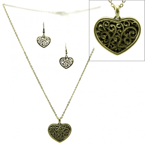 Wholesale L32 Cutout metal heart necklace set GB