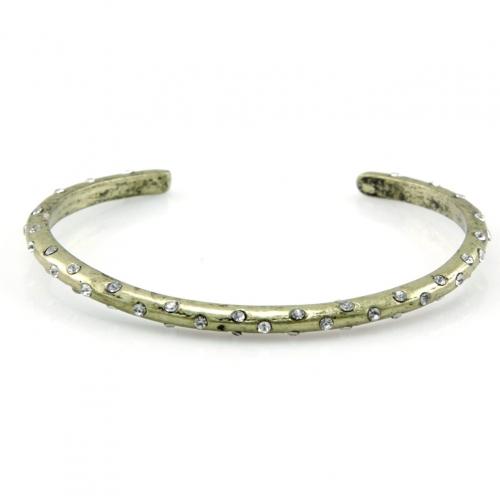 Wholesale L28C Studded metal cuff GB fashionunic