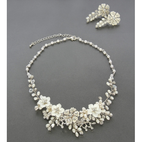 Wholesale N35 White flower necklace and earring set Pearl/Silver